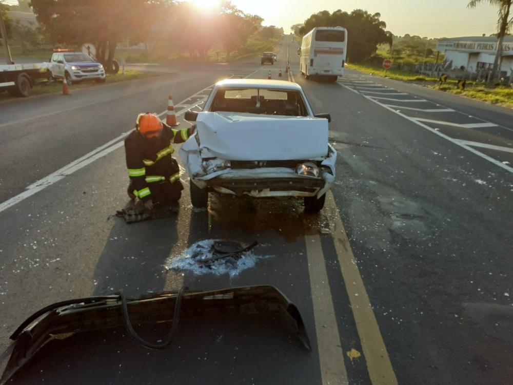 Colisão entre veículos deixa feridos na SP-294 em Tupã