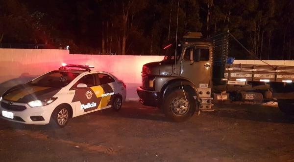 Caminhão furtado em posto de combustível é recuperado em Parapuã pela Polícia Rodoviária