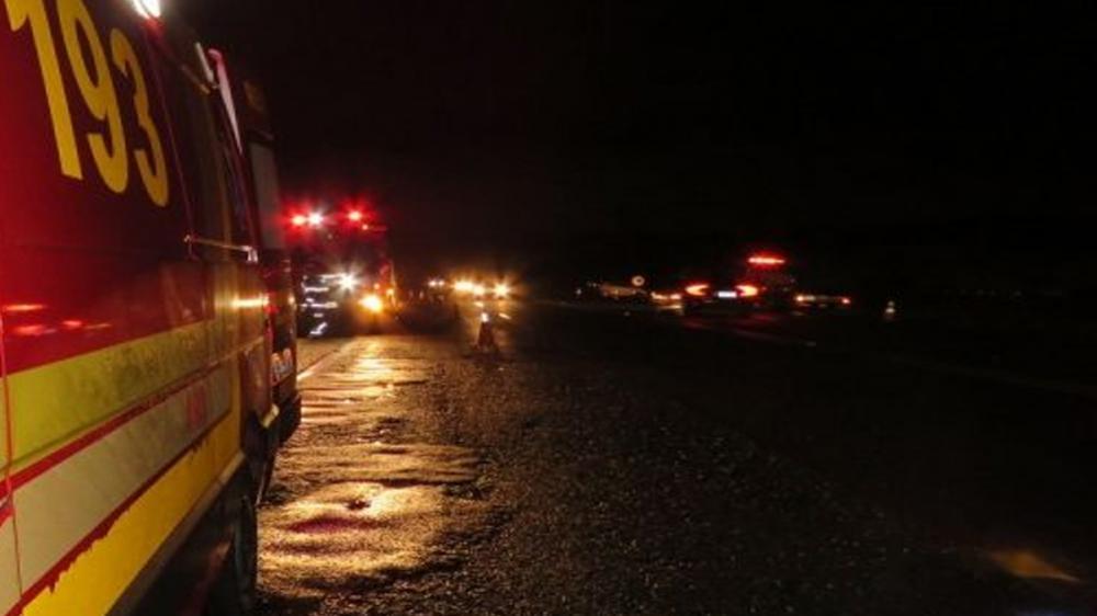Animal solto na pista provoca acidente com três veículos na SP-294