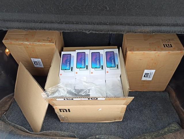 Polícia Militar localiza depósito de celulares e relógios contrabandeados