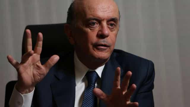 PF cumpre mandado de busca contra Serra após denúncia da Lava Jato